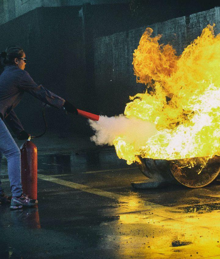 Ako používať hasiaci prístroj - hasenie.sk